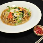 香底伊面 Deep Fried Eee Mee Top With Cantonese Sauce