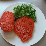 which restaurant will give u this awesome looking tomatos