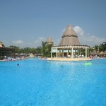 Lindo-Maya Pool