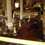 desde el lobby vista a uno de los piano bares