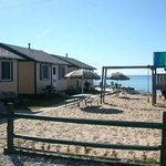 Photo de Woodland Beach Cottages