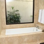 Bathtub and aircond