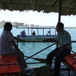 Auf dem Boot vor der Insel Flores