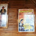Western decorations - almost no kitch or camp