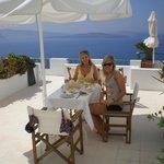 Having breakfast overlooking the caldera