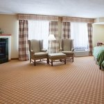 Quality Inn &Suites EastTroy  Suite