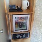 Minibar and tea/cafee pot