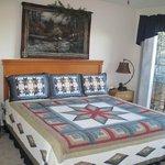 Deluxe Jacuzzi Condo Bedroom