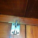 serratura porta rotta