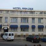 Hotel Aan Zee exterior