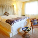 'Moray'- Double room with raised King size bed and En-suite