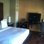 Comfy King Room