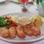 The coconut shrimp - delicous!
