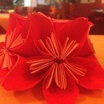 origami sulla tavola