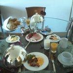 nach unseren Wünschen zusammen gestelltes Frühstück aufs Zimmer