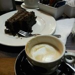 torta de trufa-manjar + cortado