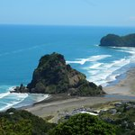 Lookout over Piha beach