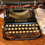 Cool old typewriter at the Inn