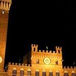 Torre del Mangia , Piazza del Campo ,Siena