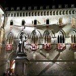 Piazza Salimbeni , Siena