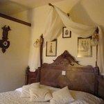 detalle de la cama habitacion Belle Epoque