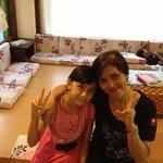 優しいスタッフのアナさんとその娘さん。