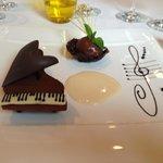 The signature dessert: the piano of chocolate