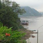 Mekong mit Schiff