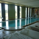 La piscine intérieure chauffée