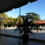 Blick auf den Pool,vom Frühstücksraum aus