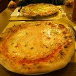 Pizza 4 formaggi e pizza vegetariana