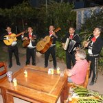 Mariachis came to the hotel to see us off