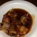 Higos envueltos - bacon-wrapped figs in house-made bbq sauce.  Delicious!!!