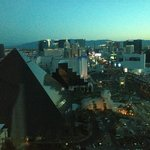 LV Blvd At Dawn From Presidential Suite