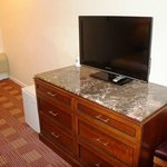 32 Inch Flat Panel TVs