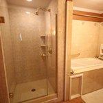 Emerald Room Bathroom