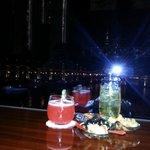 Brillant bar, great view