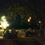 Strandbaren på kvällen