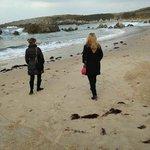 Paseando por la playa de Toró, llanes
