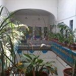 Balcón dentro del hotel