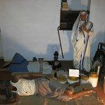 Mother Teresa serving people