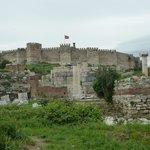 vista hacia el castillo de selcuk