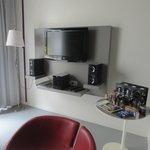 "TV and ""minibar"" table"