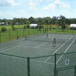 5 clay tennis courts