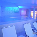 Indoor-Pool in der 9ten Etage