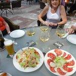 Mozarella & tom salad, some smooth white Rioja