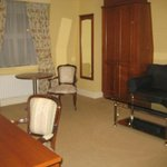 huge room (executive room)