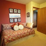 Shades of Italy single guest room