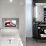 Bathroom Suite Deluxe
