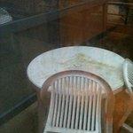 table à l'extérieur